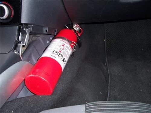 lắp bình chữa cháy trên xe ô tô đúng cách